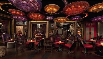 Manila Peninsula Hotel Bar