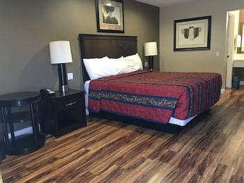 Anaheim Lodge - Anaheim, CA 92804 - Guestroom