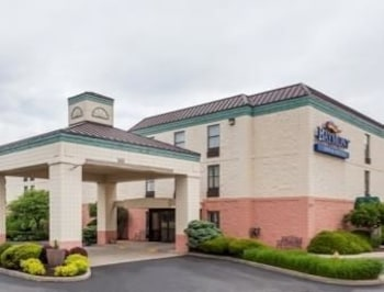 Baymont Inn And Suites Lafayette 5 0 Miles From Purdue University