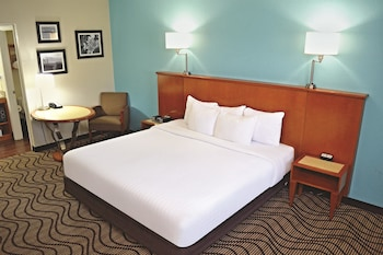La Quinta Inn Cocoa Beach-Port Canaveral - Cocoa Beach, FL 32931 - Guestroom