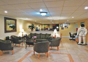 La Quinta Inn Cocoa Beach-Port Canaveral - Cocoa Beach, FL 32931 - Lobby