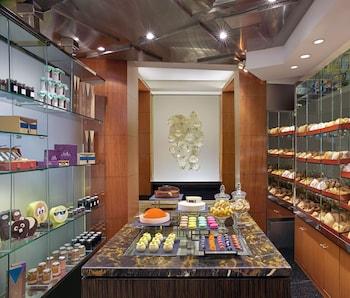 Makati Shangri-La Food and Drink