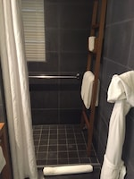 Room, Accessible, Ocean View (Shower)
