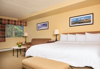 Evergreen Lodge - Vail, CO 81657 - Guestroom