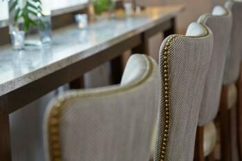 Renaissance Orlando Airport Hotel by Marriott - Orlando, FL 32812 - Guestroom