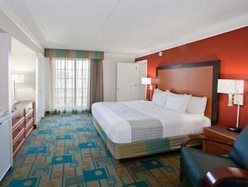 La Quinta Inn Phoenix Sky Harbor Airport - Tempe, AZ 85281 - Guestroom