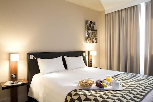 里昂盧米埃爾夢普拉希爾美居飯店