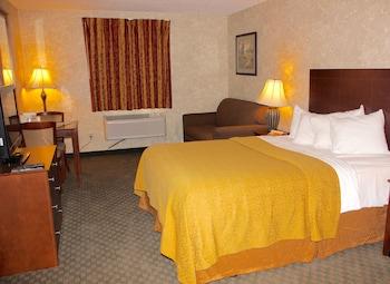 Quality Inn Hays - Hays, KS 67601 - Guestroom