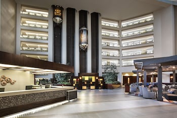 Hilton Bellevue 6 Miles From Washington State Convention And Trade Center