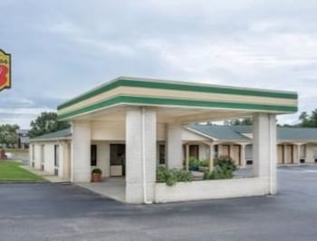 Hotels Near Dillon Trace Apartments 720 N Wise Dr