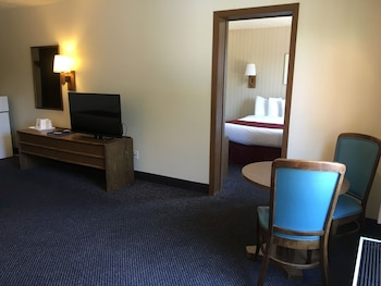 Americas Best Value Inn & Suites - Fort Collins East / I-25 - Fort Collins, CO 80524 - Guestroom