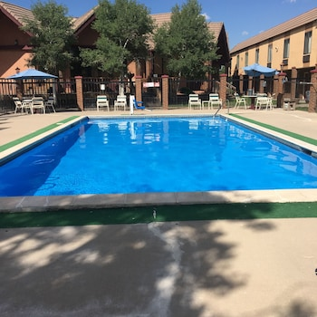 Americas Best Value Inn & Suites - Fort Collins East / I-25 - Fort Collins, CO 80524 - Pool