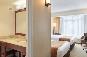 Comfort Inn by the Bay - San Francisco, CA 94109 - Guestroom