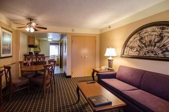 Quality Suites - The Royale Parc Suites - Kissimmee, FL 34746