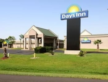 Days Inn - Jennings, LA 70546 - Featured Image