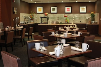 Ontario Airport Hotel and Conference Center - Ontario, CA 91764 - Restaurant