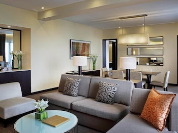 Sofitel Philippine Plaza Manila Living Area