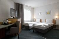 Standard Twin Room, 2 Single Beds, Balcony