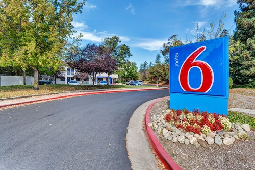 北加州聖羅莎 6 號汽車旅館