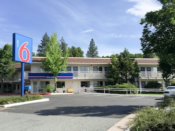 Motel 6 Weed - Mount Shasta - Weed, CA 96094 - Featured Image