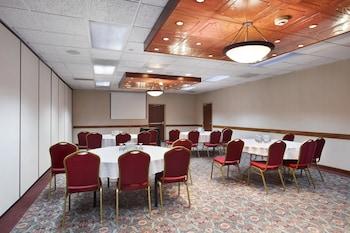 Ramada Plaza Denver Central - Denver, CO 80216 - Meeting Facility