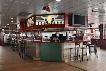 Ramada Plaza Denver Central - Denver, CO 80216 - Hotel Bar