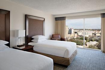 Hotels of Hyatt Hotels chain
