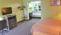 Deluxe Suite, 1 King Bed, Smoking, Refrigerator & Microwave