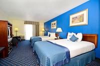 Suite, 2 Queen Beds, Smoking