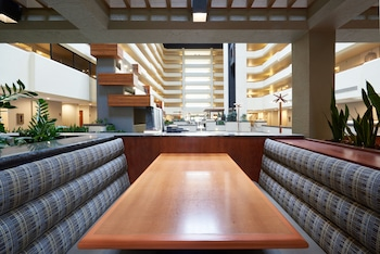 DoubleTree by Hilton Fresno Convention Center