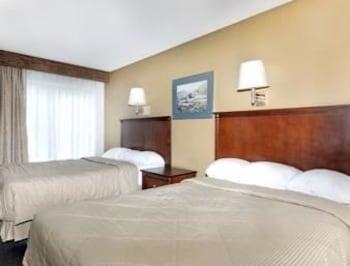 Travelodge Pelham Birmingham - Pelham, AL 35124 - Guestroom