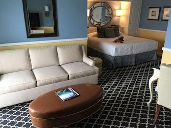Portofino Hotel & Marina - A Noble House Hotel - Redondo Beach, CA 90277 - Guestroom