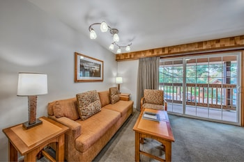 Tahoe Beach & Ski Club - South Lake Tahoe, CA 96150 - Living Area