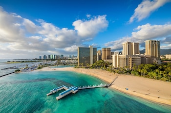 Grand Waikikian By Hilton Vacations 0 6 Miles From Ala Moana Center