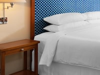 Deluxe Room, 1 King Bed, Courtyard Area