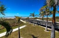 2 Double Beds, Beachside