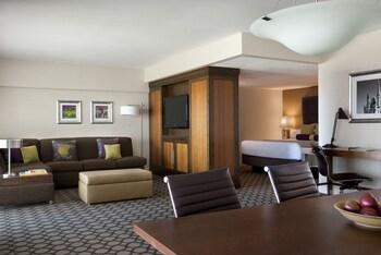 Hyatt Regency Orange County - Garden Grove, CA 92840 - Guestroom