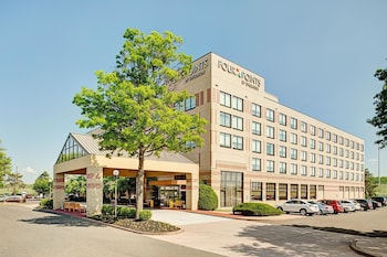 Four Points By Sheraton Philadelphia Airport 3 5 Miles From Lincoln Financial Field