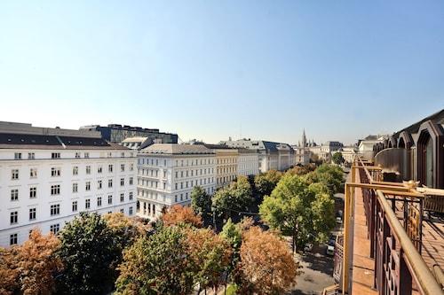 維也納廣場希爾頓飯店