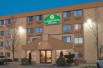 La Quinta Inn Suites Warwick Providence Airport 7 4 Miles From East Greenwich
