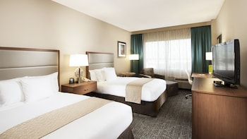DoubleTree by Hilton West Palm Beach Airport - West Palm Beach, FL 33409 - Guestroom
