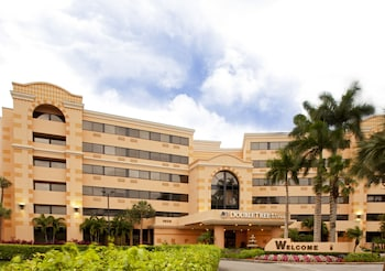 DoubleTree by Hilton West Palm Beach Airport - West Palm Beach, FL 33409 - Exterior