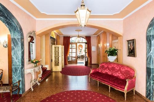 布洛住宅浪漫飯店