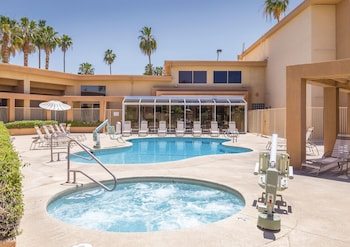 Plaza Resort and Spa - Palm Springs, CA 92264 - Pool