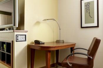 Hyatt Place Kansas City/Overland Park/Metcalf - Overland Park, KS 66211 - Guestroom
