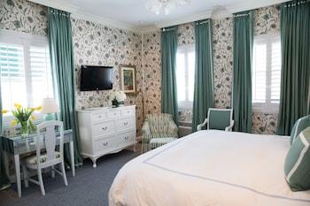 The Chesterfield Palm Beach - Palm Beach, FL 33480 - Guestroom