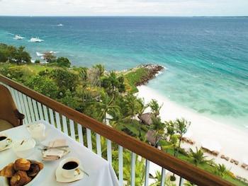 Shangri-La Mactan Guestroom View