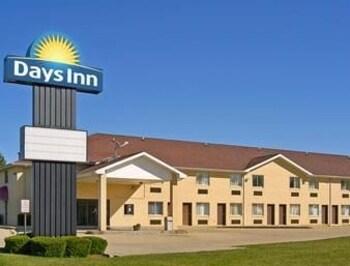 Hotel Front Days Inn Charleston Il Illinois