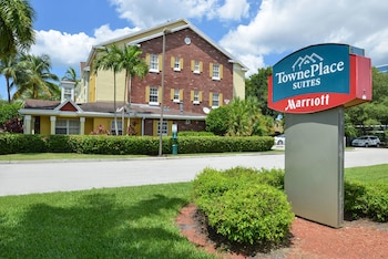 Towneplace Suites By Marriott Miami Lakes 16 5 Miles From Sawgr Mills