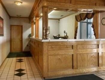 Days Inn Blytheville - Blytheville, AR 72315 - Lobby